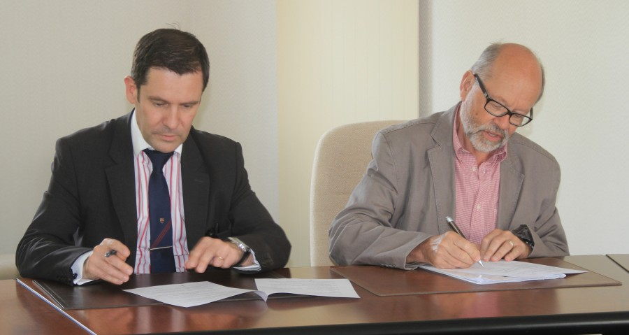 Signature DUne Convention Entre Le Cina Et La Chambre Des Notaires